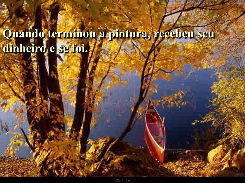 Ria Slides Enquanto pintava, verificou que a tinta estava passando pelo fundo do barco..