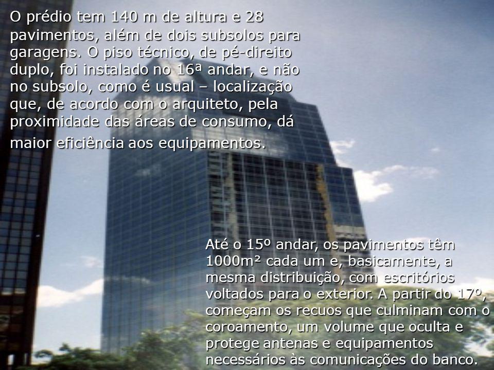 O prédio tem 140 m de altura e 28 pavimentos, além de dois subsolos para garagens. O piso técnico, de pé-direito duplo, foi instalado no 16ª andar, e