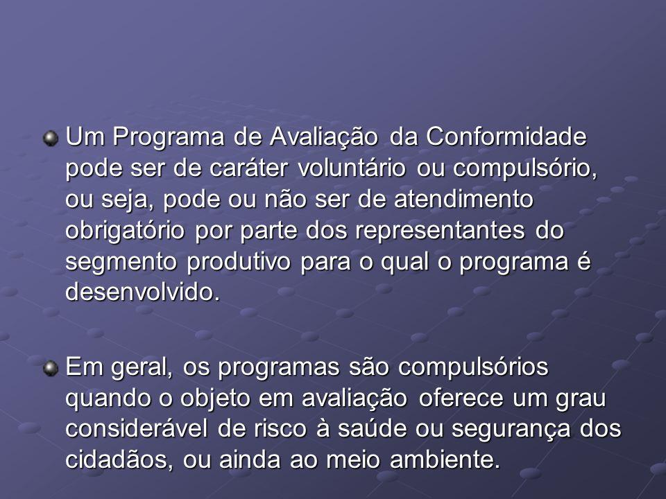 Normas Brasileiras ABNT (Associação Brasileira de Normas Técnicas) Órgão brasileiro responsável por normas de qualidade ABNT foi fundada em 1940 e é membro fundador da ISO
