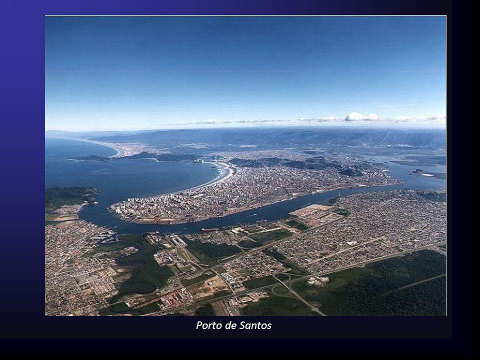 Porto É a denominação geral dada ao complexo composto por vários terminais, equipamentos portuários, canal de acesso ao porto, vias de acesso ferroviárias, rodoviárias e fluviais, etc.