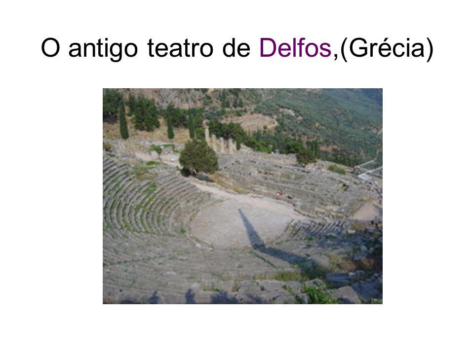 O antigo teatro de Delfos,(Grécia)