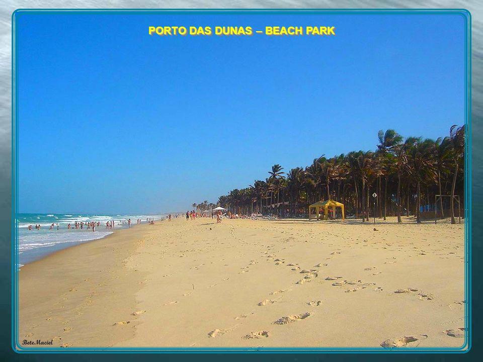 PRAIAS: Porto das Dunas, Prainha,Presídio,Iguape, Barro Preto e Batoque. Aquiraz Foi a primeira capital do estado do Ceará. Situada na costa leste do