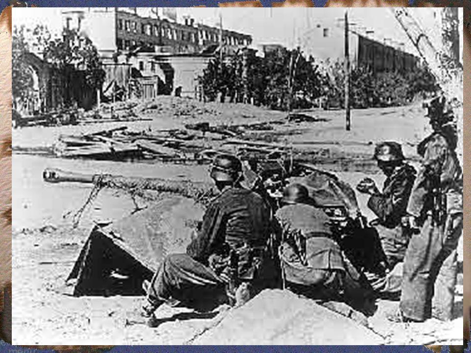 3.1 AS MAIS SANGRENTAS BATALHAS - Contra ofensiva aliada, bombardeando as principais cidades alemãs e italianas.