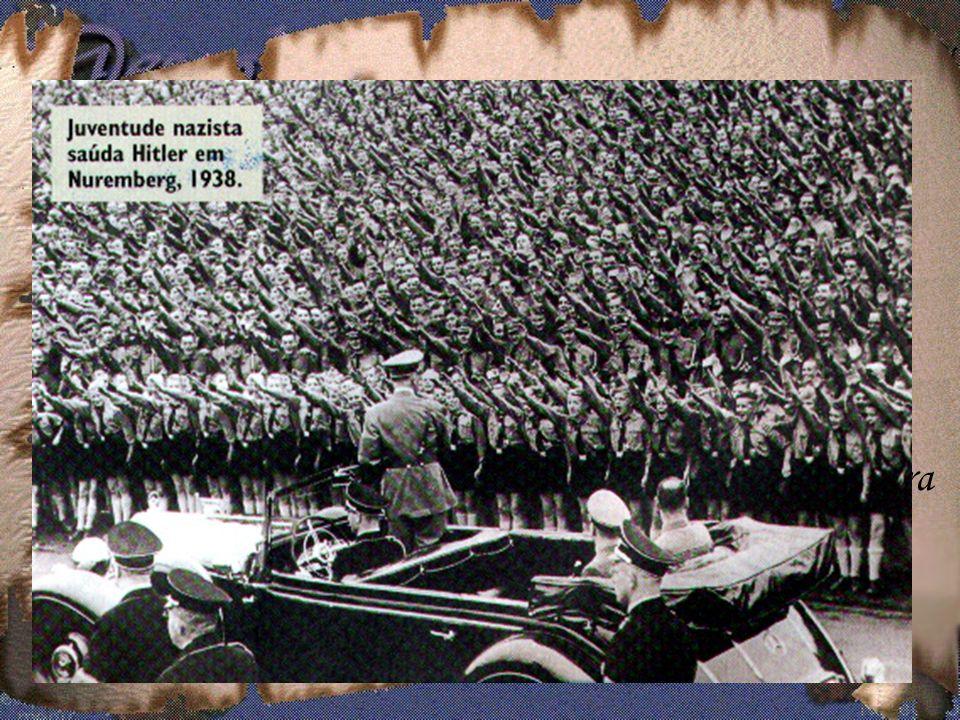 Durou pouco tempo a ilusão de paz após a Primeira Guerra.