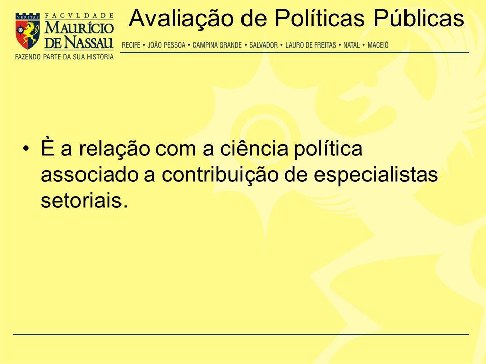 É a relação estreita com a área de administração pública e a tradição disciplina da sociologia e da economia.