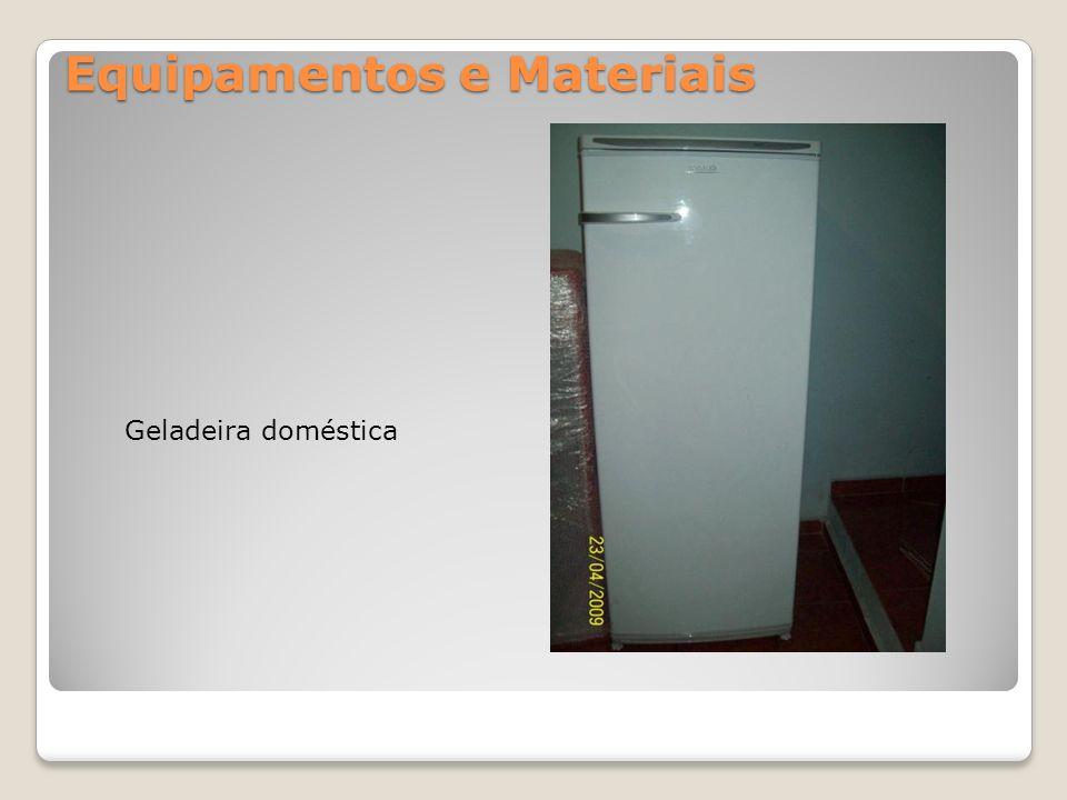 Equipamentos e Materiais Geladeira doméstica