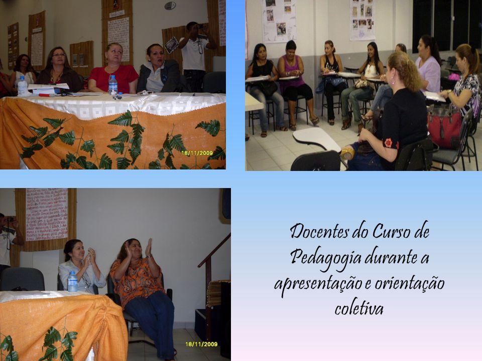 Docentes do Curso de Pedagogia durante a apresentação e orientação coletiva