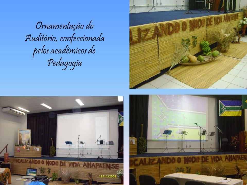 Ornamentação do Auditório, confeccionada pelos acadêmicos de Pedagogia