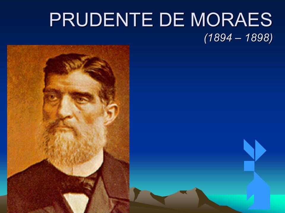 4/4/201443 PRUDENTE DE MORAES (1894 – 1898) Primeiro Presidente Civil; Revolta de Canudos (1893 – 1897): conflito entre tropas do governo e sertanejos seguidores de Antônio Conselheiro, no sertão da Bahia