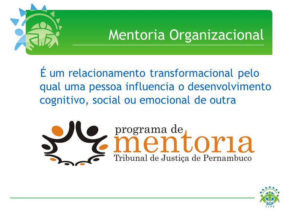 É um relacionamento transformacional pelo qual uma pessoa influencia o desenvolvimento cognitivo, social ou emocional de outra