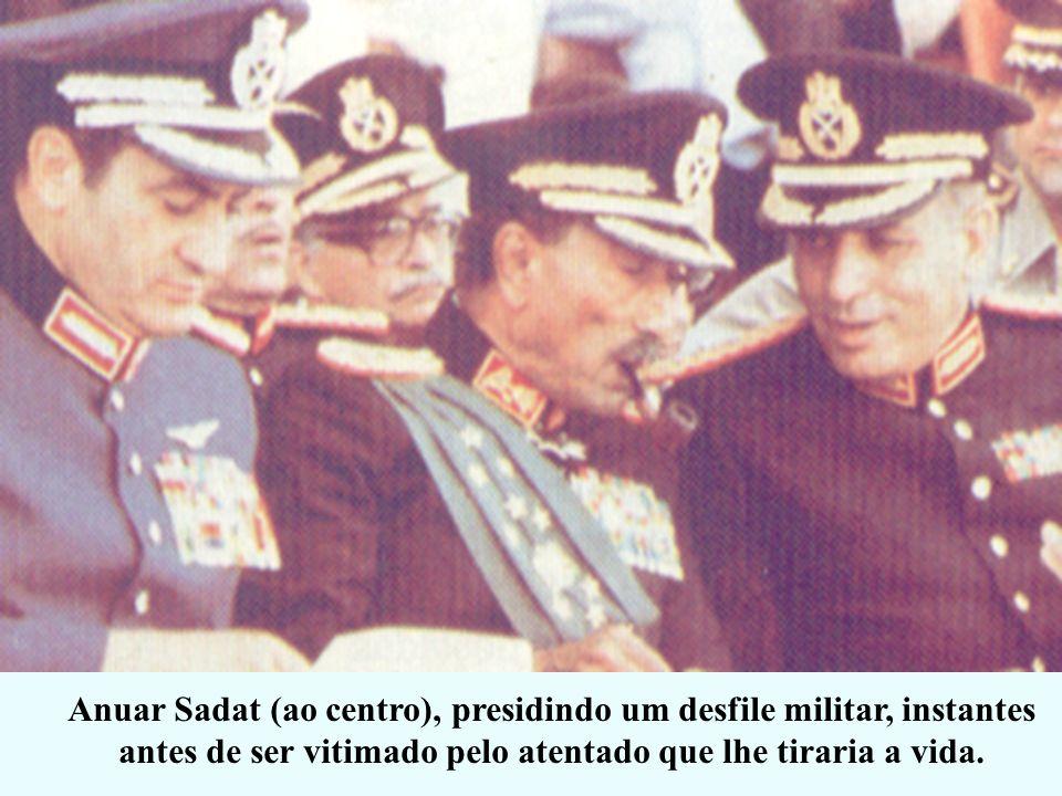 1979 – ACORDO DE CAMP DAVID Israel devolve a Península do Sinai para o Egito. Em troca o Egito se compromete nunca mais atacar Israel Anuar Sadat (Egi