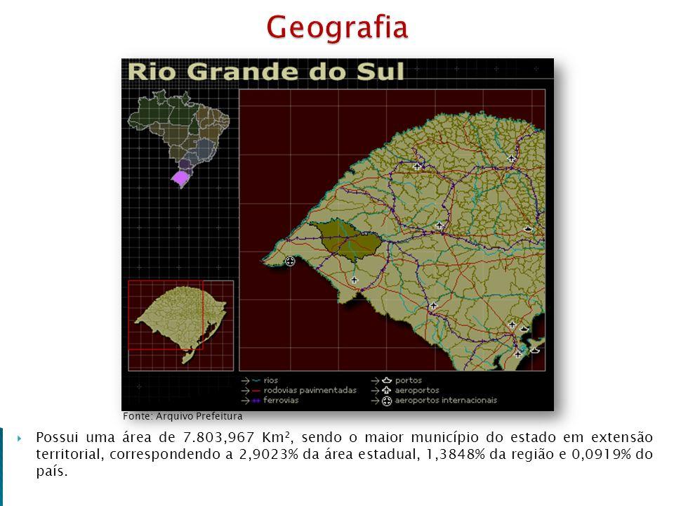 Possui uma área de 7.803,967 Km², sendo o maior município do estado em extensão territorial, correspondendo a 2,9023% da área estadual, 1,3848% da reg
