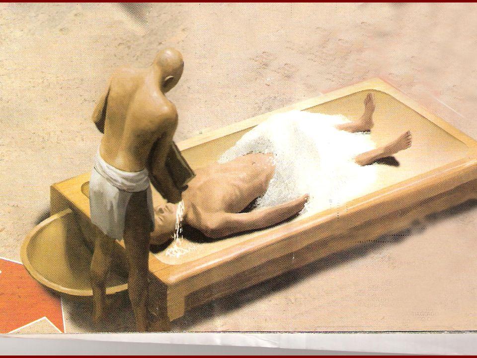 5- RECHEIO SECO Após a desidratação, havia nova lavagem com água do Nilo e aplicação de substâncias aromáticas e óleos para aumentar a elasticidade da pele.