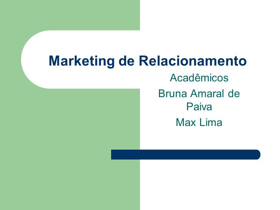 Evans e Laskin (1994) definiram Marketing de Relacionamento como: Um processo onde a firma constrói alianças de longo prazo tanto com clientes atuais como em perspectivas, de forma que comprador e vendedor trabalham em direção de um conjunto comum de objetivos específicos
