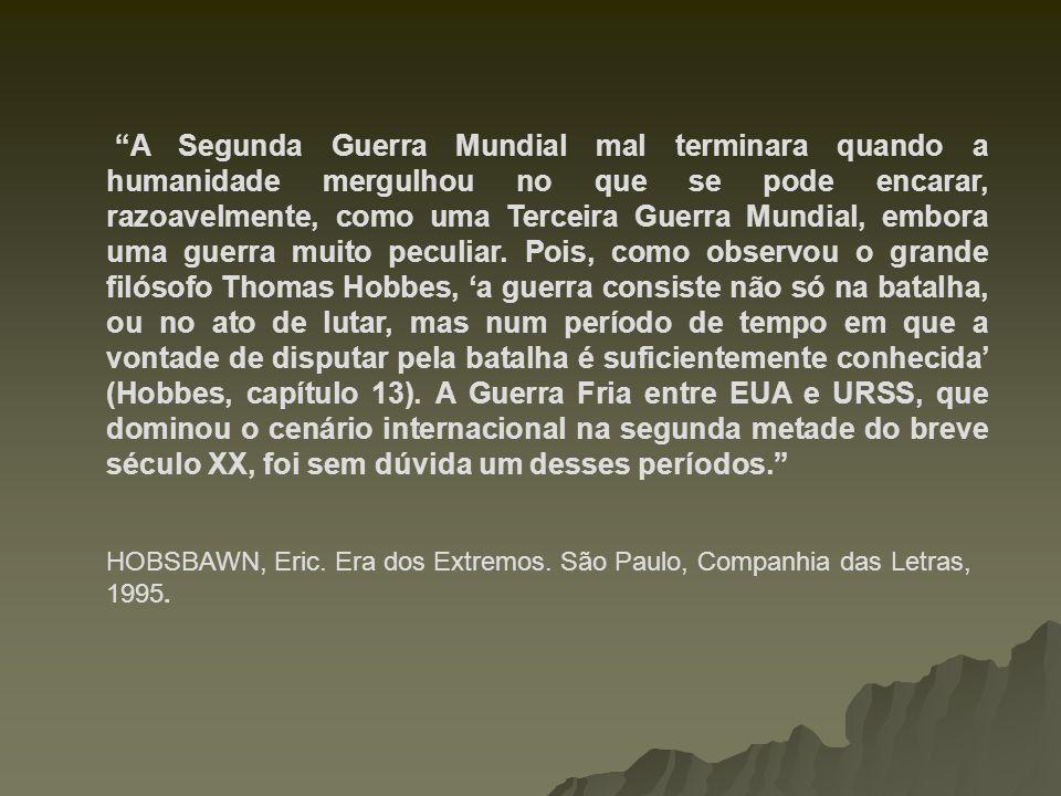 1950: ELEIÇÕES PRESIDENCIAIS NO BRASIL Getúlio Vargas vence as eleições com quase a metade dos votos.
