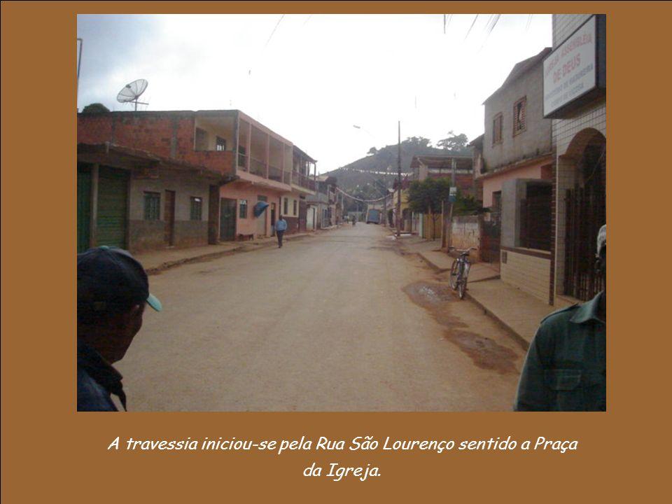 Deixamos a Rua José Soares da Rocha e chegamos à Avenida para ir ao outro lado do distrito.
