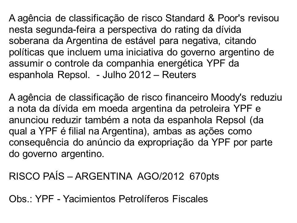 A agência de classificação de risco Standard & Poor s revisou nesta segunda-feira a perspectiva do rating da dívida soberana da Argentina de estável para negativa, citando políticas que incluem uma iniciativa do governo argentino de assumir o controle da companhia energética YPF da espanhola Repsol.