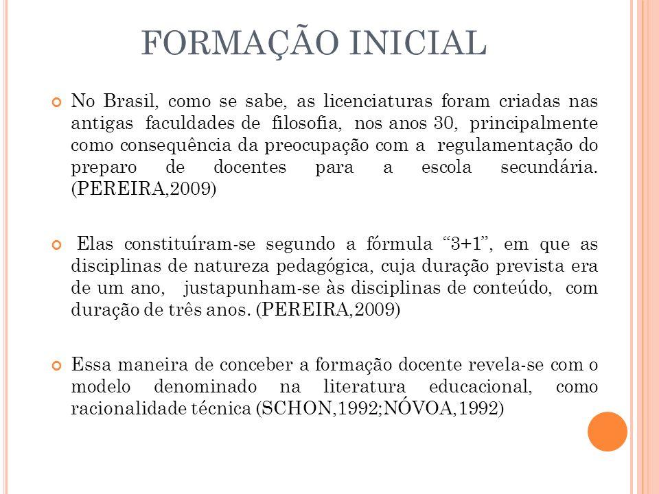 EDUCAÇÃO INCLUSIVA Ao fazermos uma retrospectiva histórica sobre a formação de professores para a Educação Especial no Brasil vamos verificar que os primeiros cursos eram em nível médio eram ministrados nos estabelecimentos Federais, Instituto Nacional de Educação de Surdos (INES-RJ) e Instituto Benjamim Constant (IBC-RJ) e por organizações não governamentais, e que segundo Gotti (2001) merece menção o Instituto Pestalozzi (BH/MG).