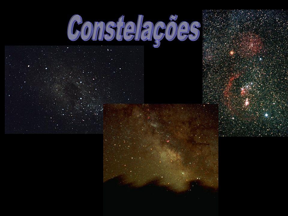 1932 Descoberta da partícula 1933 Relação com Supernovas Apenas 10Km de raio 1 000 000K Emissão de raios-X