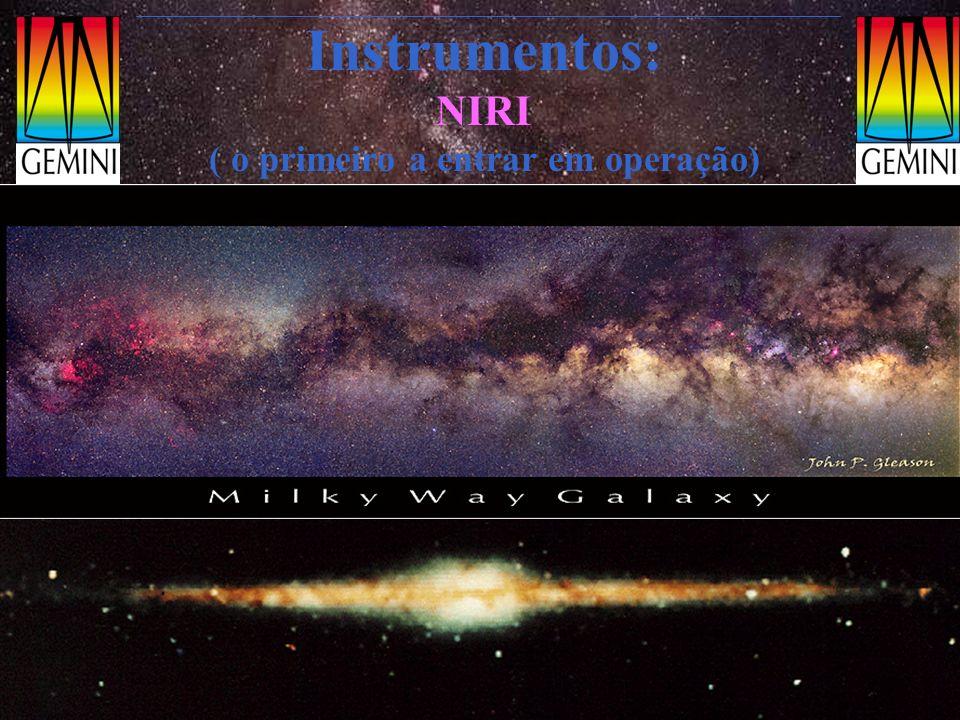 Instrumentos: NIRI ( o primeiro a entrar em operação) Exemplos: Região de formação estelar NGC3576 (bandas JHK) distância: 4 kpc do Sol obscurecimento