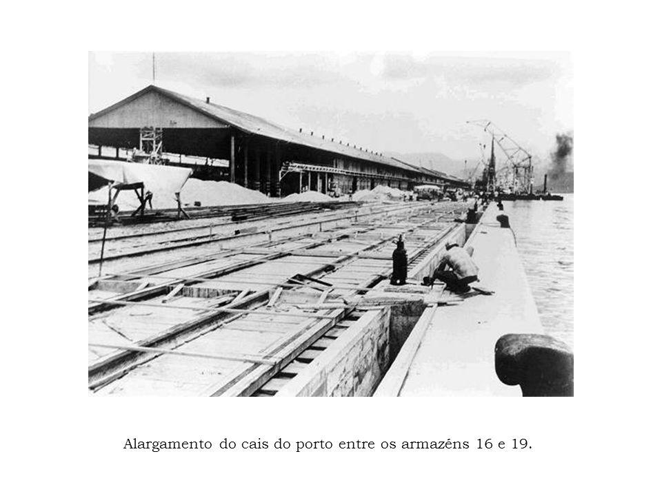 Alargamento do cais do porto entre os armazéns 16 e 19.