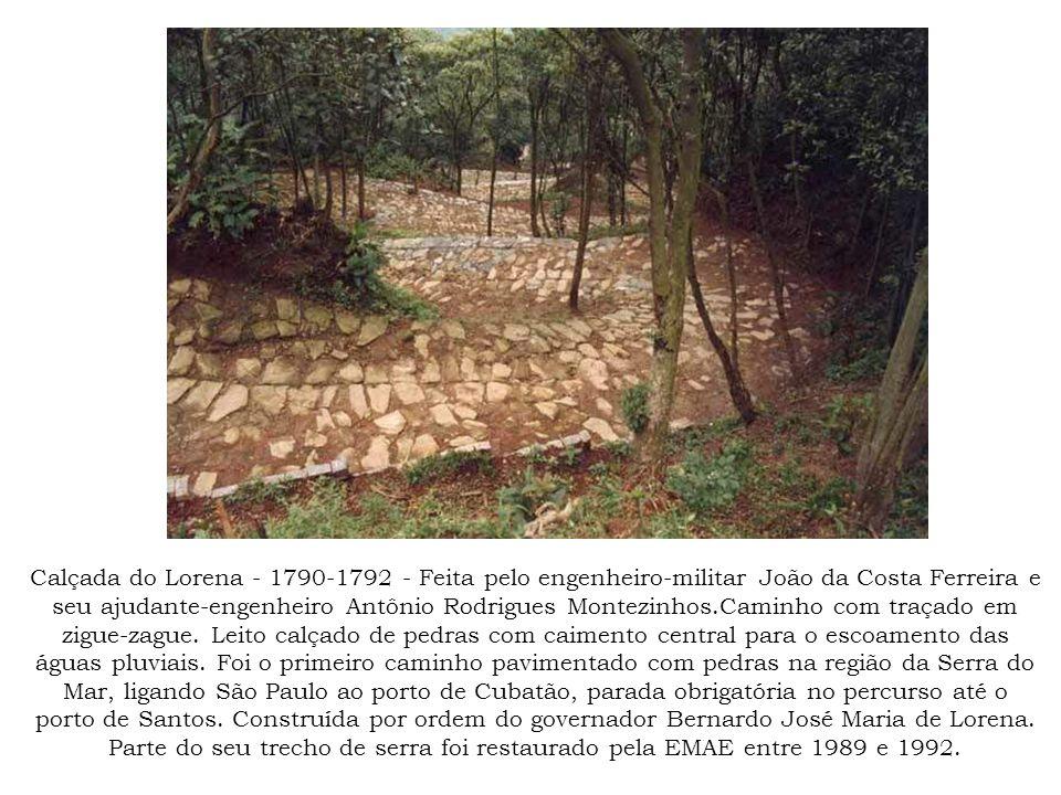 Gravura de Hercules Florence representando a calçada do Lorena na região do Pico, onde é visível um parapeito de proteção.