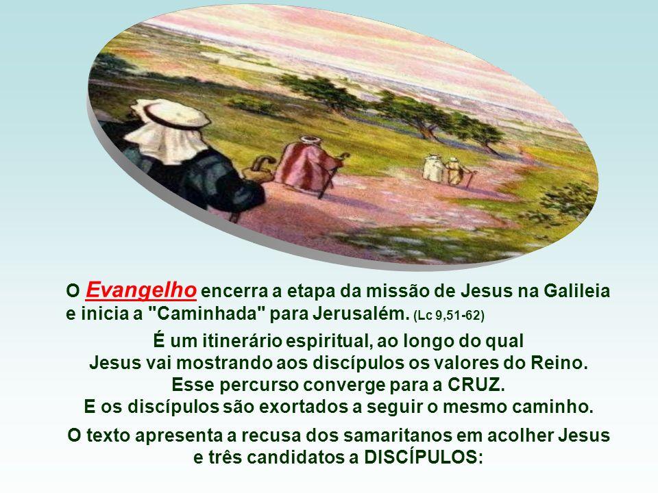 O gesto indicava a missão profética com que Elias investia Eliseu. - A resposta foi pronta e generosa. Foi em casa, sacrificou os bois, que utilizava