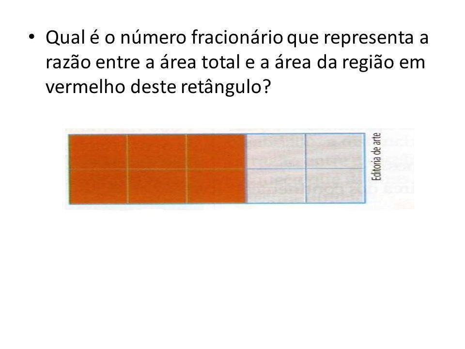 Qual é o número fracionário que representa a razão entre a área total e a área da região em vermelho deste retângulo?