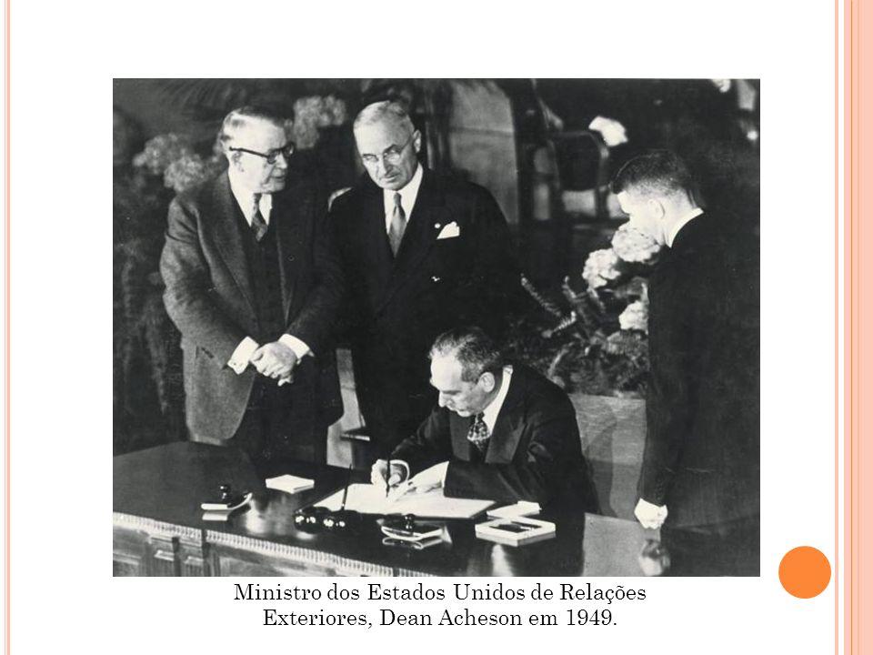 Ministro dos Estados Unidos de Relações Exteriores, Dean Acheson em 1949.