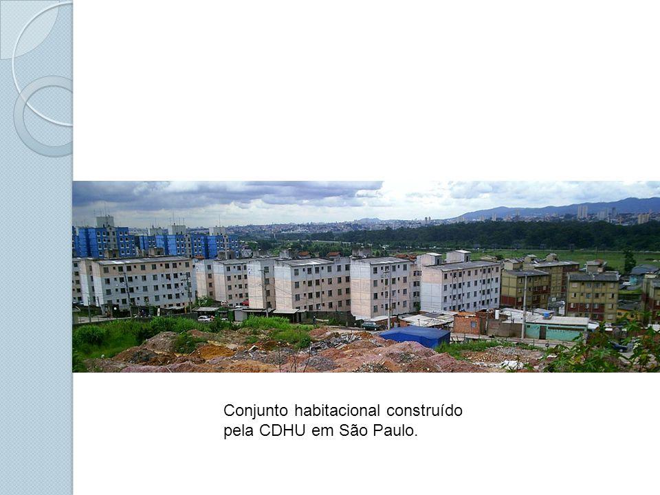 Conjunto habitacional construído pela CDHU em São Paulo.