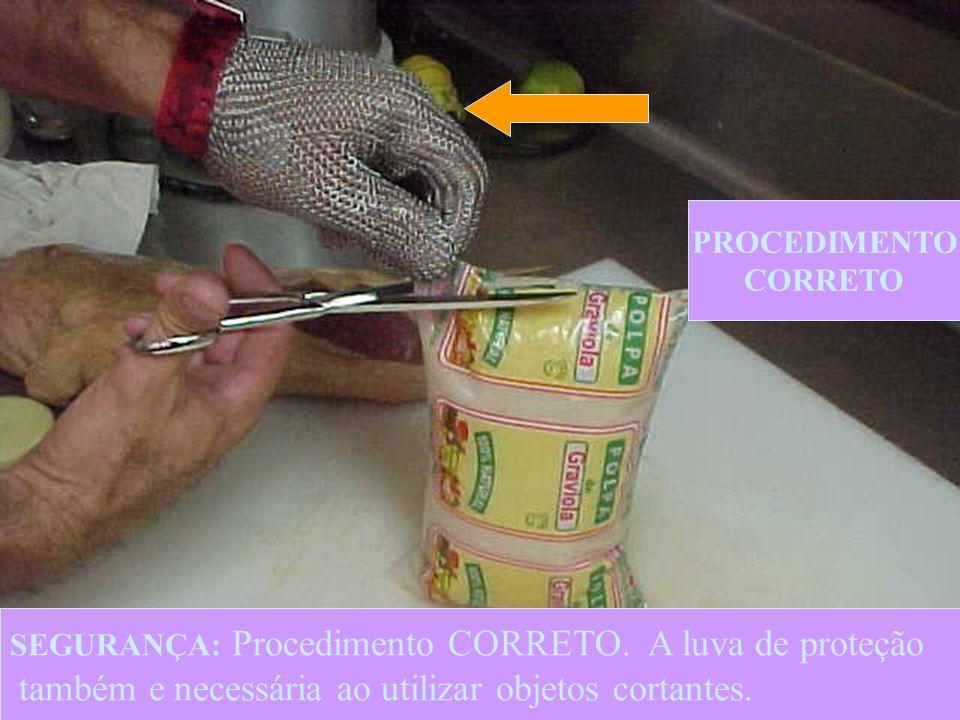 10 SEGURANÇA: Procedimento incorreto( Ato inseguro).O uso de facas pode causar ferimentos usar tesouras.