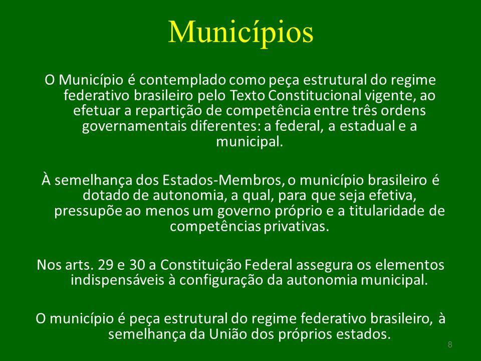 Exercício do mandato parlamentar A imunidade material exige relação entre as condutas praticadas pelo parlamentar e o exercício do mandato.