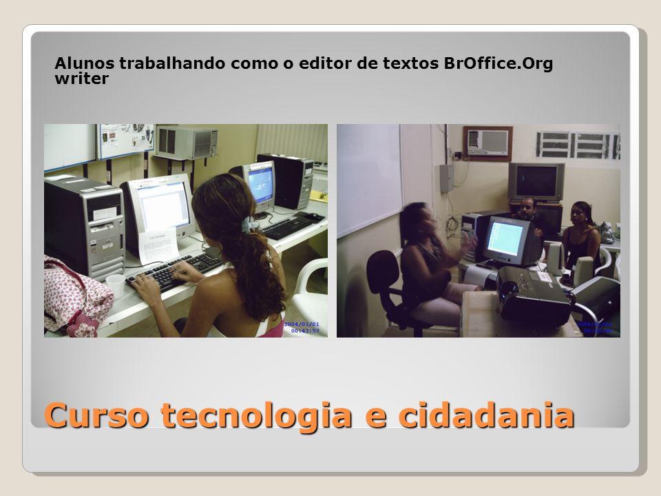 Curso tecnologia e cidadania Alunos trabalhando como o editor de textos BrOffice.Org writer