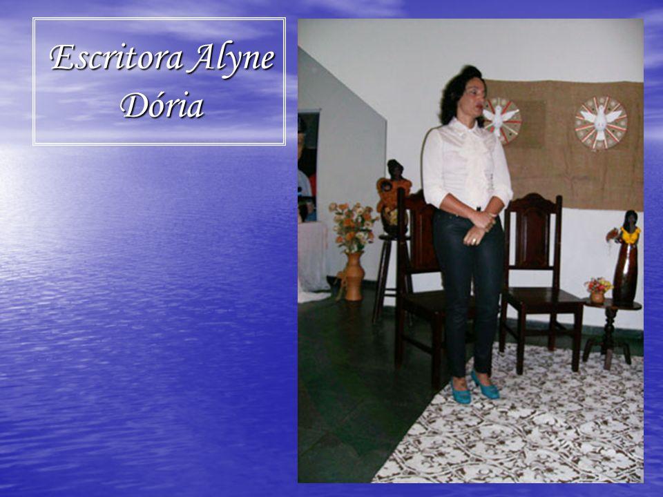 Escritora Alyne Dória