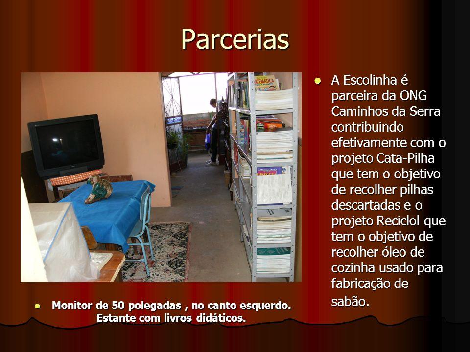 Parcerias A Escolinha é parceira da ONG Caminhos da Serra contribuindo efetivamente com o projeto Cata-Pilha que tem o objetivo de recolher pilhas descartadas e o projeto Reciclol que tem o objetivo de recolher óleo de cozinha usado para fabricação de sabão.