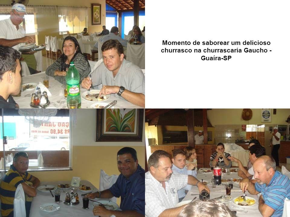 Momento de saborear um delicioso churrasco na churrascaria Gaucho - Guaíra-SP
