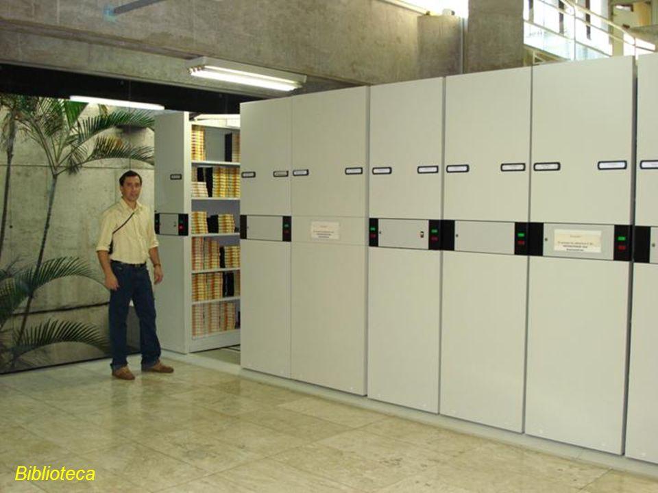 Laboratório Sr. Amarildo Téc. Instrumentação Fomos muito bem recebido, legal mesmo...