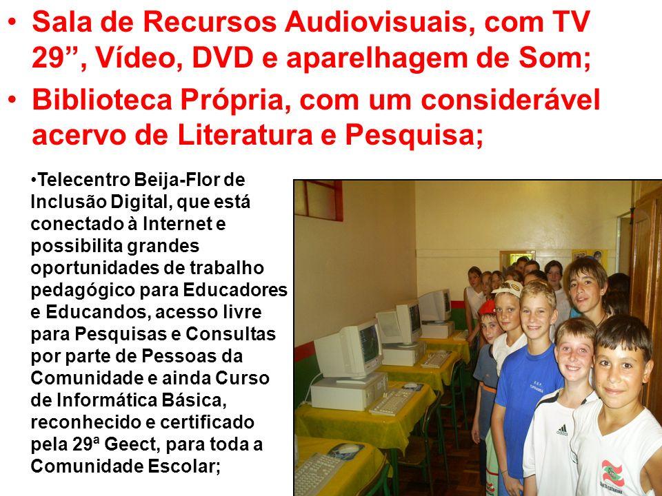 Sala de Recursos Audiovisuais, com TV 29, Vídeo, DVD e aparelhagem de Som; Biblioteca Própria, com um considerável acervo de Literatura e Pesquisa; Te