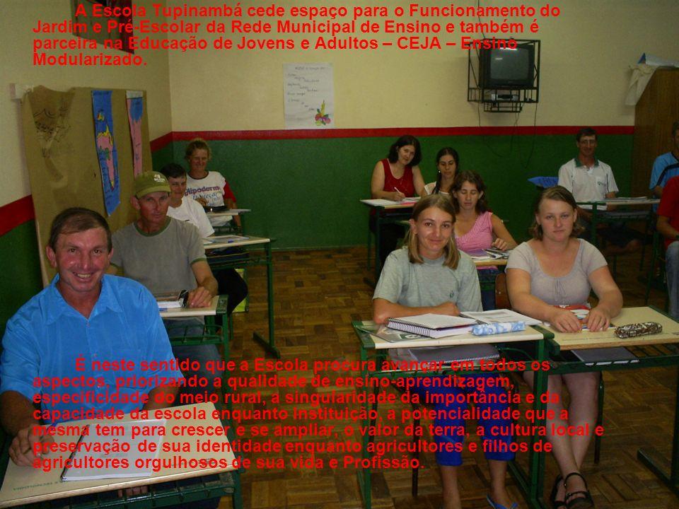 A Escola Tupinambá cede espaço para o Funcionamento do Jardim e Pré-Escolar da Rede Municipal de Ensino e também é parceira na Educação de Jovens e Ad