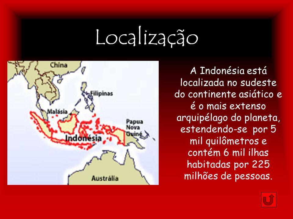 Localização A Indonésia está localizada no sudeste do continente asiático e é o mais extenso arquipélago do planeta, estendendo-se por 5 mil quilômetr