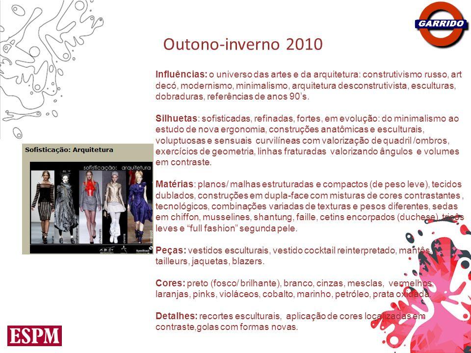 Outono-inverno 2010 Influências: nostalgia, reciclagem de idéias dos anos 10s, 20s, 40s, 60s e toques de anos 80s, Elsa Schiapparelli, orientalismos, tapeçarias, vestuário masculino, uniformes militares, elementos do barroco.
