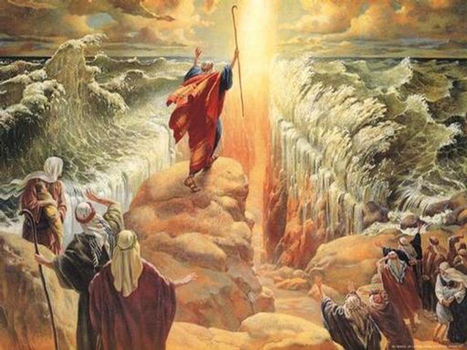 A rocha em Horebe (Massá e Meribá), em Refidim, e uma vista da fenda por onde saía a água (Êxodo 17.6).