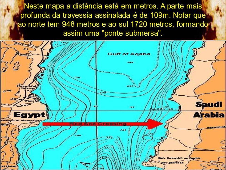 A distância entre a costa egípcia e a árabe é de cerca de 18 Km e calcula-se que a largura do caminho feito pelo afastamento das águas tenha aproximad