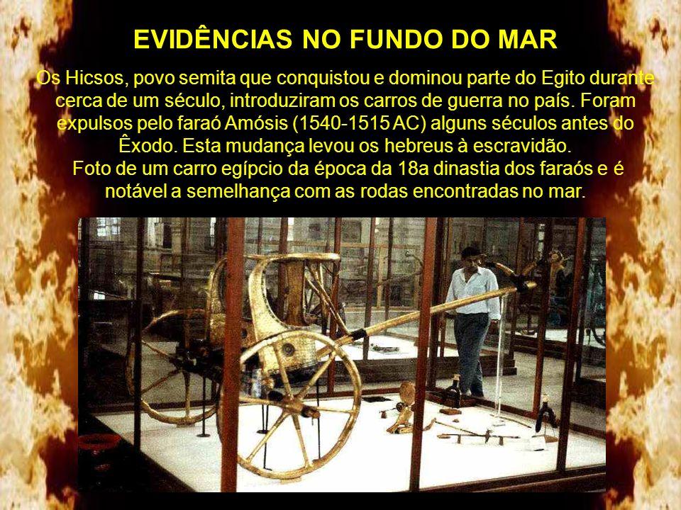 EVIDÊNCIAS NO FUNDO DO MAR As rodas folheadas com metal (ouro com prata) cuja madeira se decompôs com o tempo, provavelmente eram dos carros dos ofici