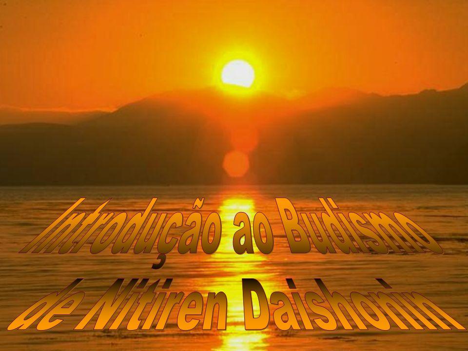 Venha contemplar o sol comigo, sente-se ao meu lado na pedra e vamos conversar sobre o Budismo, eu vou lhe contar sobre os principais ensinos, não vai demorar muito pois o sol já está se pondo, e logo teremos que voltar.