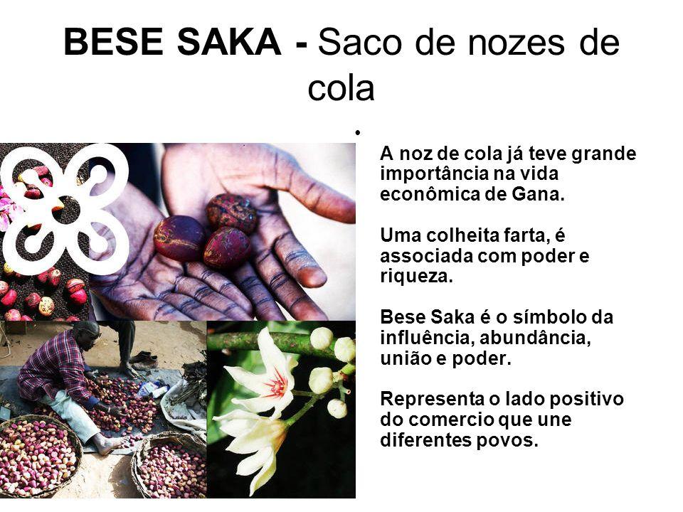 BESE SAKA - Saco de nozes de cola A noz de cola já teve grande importância na vida econômica de Gana.