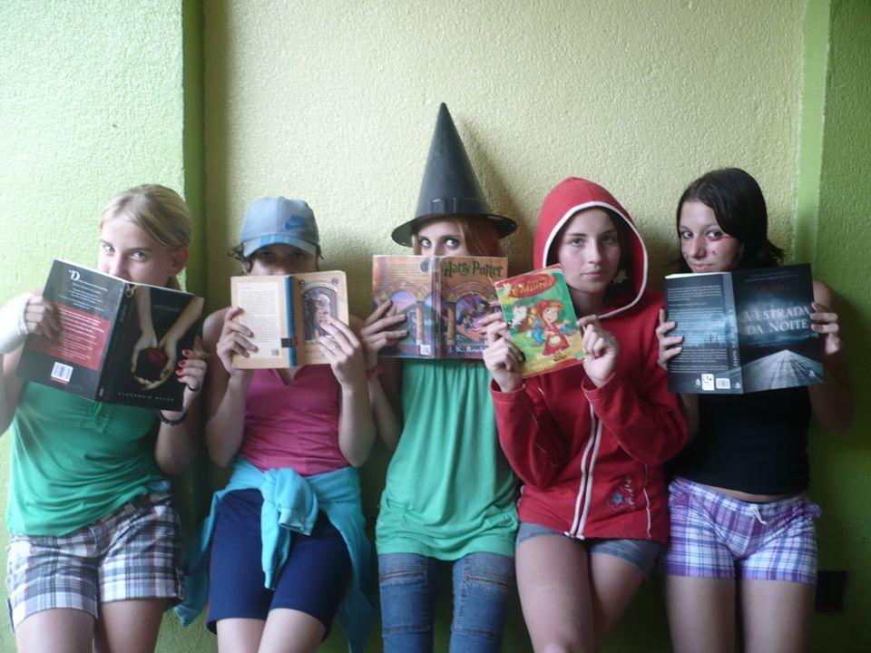Harry Potter Autora: J.K.