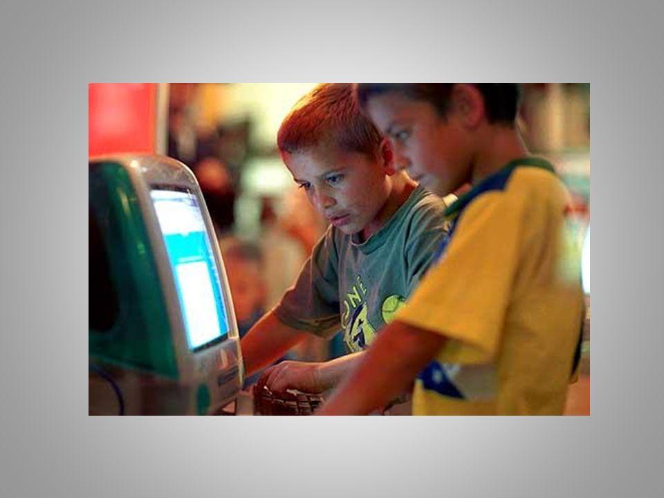 Modo de aprendizagem O modo de aprendizagem com o uso da tecnologia, com certeza supera o jeito tradicional de ensinar e aprender.
