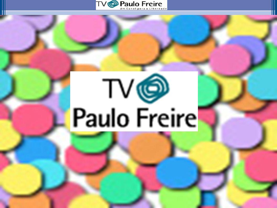 Apresentação A proposta de implantação de um canal de tv - TV Paulo Freire - com uma programação concebida exclusivamente para a comunidade escolar do Estado do Paraná e, ainda, integrada com outras mídias já existentes, compõe o que podemos denominar de uma política pública midiática.