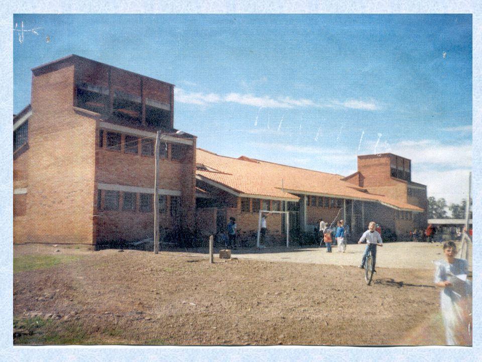 Há escolas que são gaiolas e há escolas que são asas.